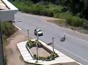 バイクが人を撥ねてしまう!