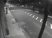 交差点で激しい衝突事故