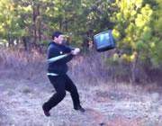 バットでテレビを打ったら・・・