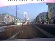 左折する車と衝突事故
