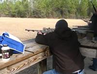 射撃練習中にアクシデント