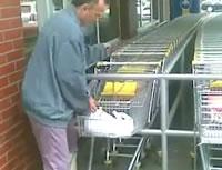 おじさん VS ショッピングカート