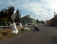市街地レースで転倒事故