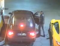 ガソリンスタンドで車泥棒