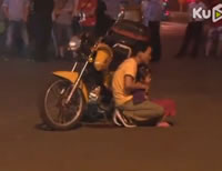 6歳の女の子を人質犯が逮捕される瞬間映像