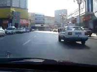 中国 違反しまくりのタクシー