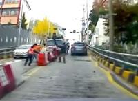 工事中のトラックが坂道を走り出す。誰も追いかけて来ない!?