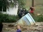 濁流からの救出劇