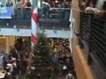 クリスマスツリーへジャンプ!