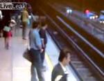 シンガポールのある駅で・・・