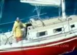 ボート沈没前の救出映像